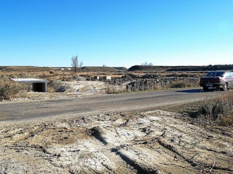 En el tramo entre Tardienta y Valfonda ya se ha iniciado el movimiento de tierras.