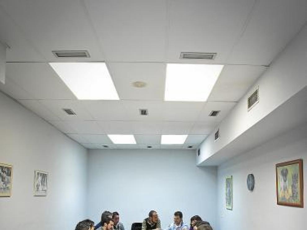 Un grupo de Azajer, durante una sesión de terapia.