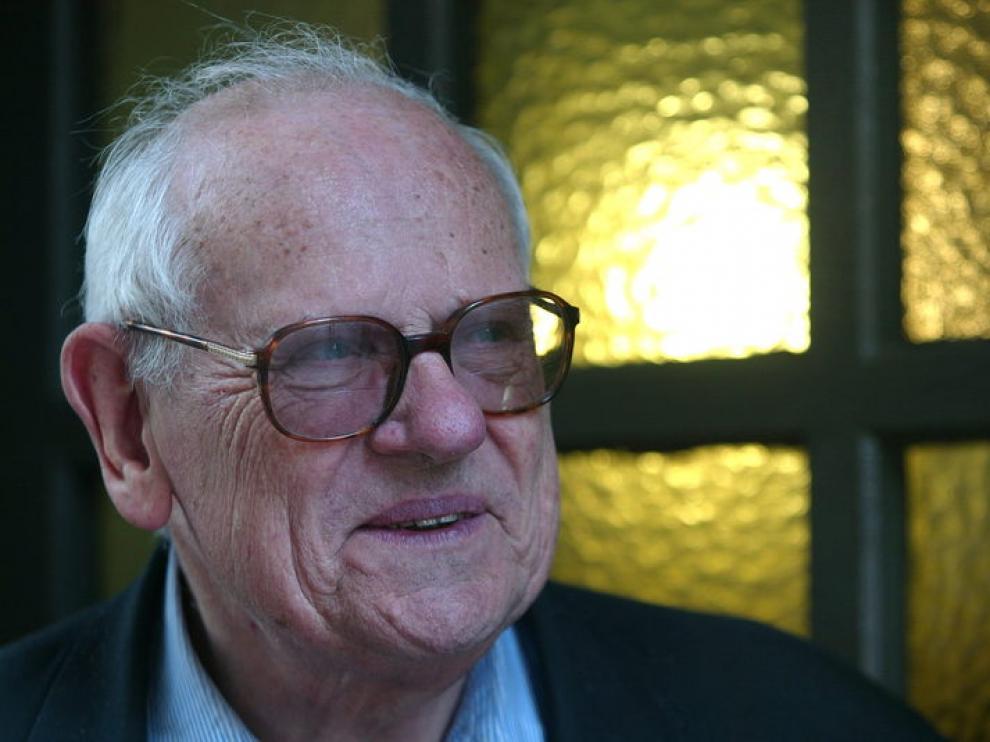 El sacerdote y sociólogo François Houtart confiesa haber abusado de un menor