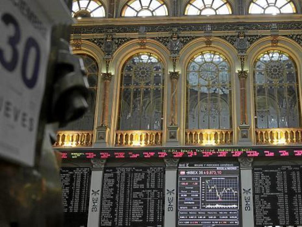 Vista ayer de los paneles informativos del parqué madrileño.