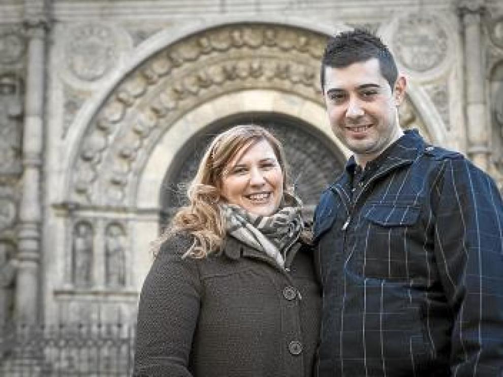 Mónica Lorente y Óscar Otero se harán hoy las fotos en el Belén de la plaza del Pilar