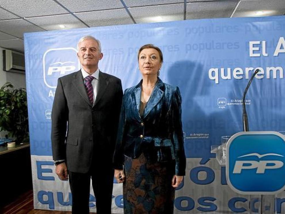 Eloy Suárez, el día de su presentación como candidato, junto a Rudi.