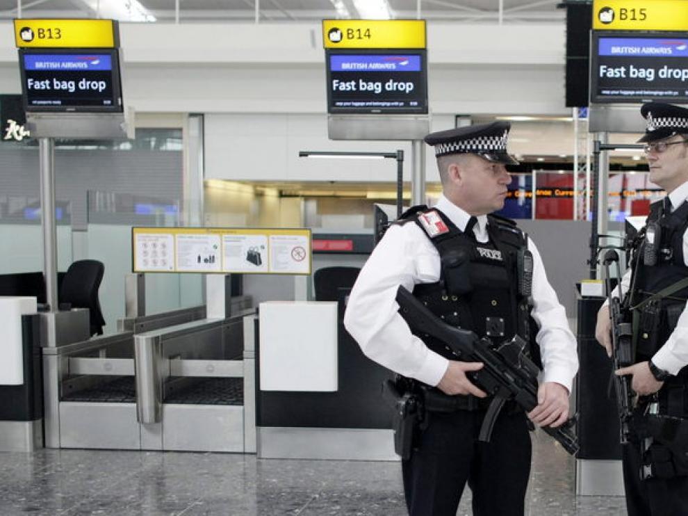 Seguridad en el aeropuerto de Heathrow.