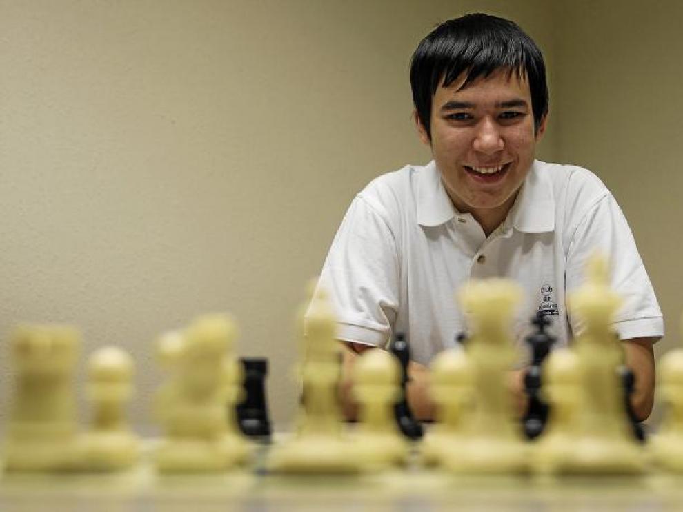 El zaragozano Daniel Forcén, la imagen de la alegría del ajedrez aragonés