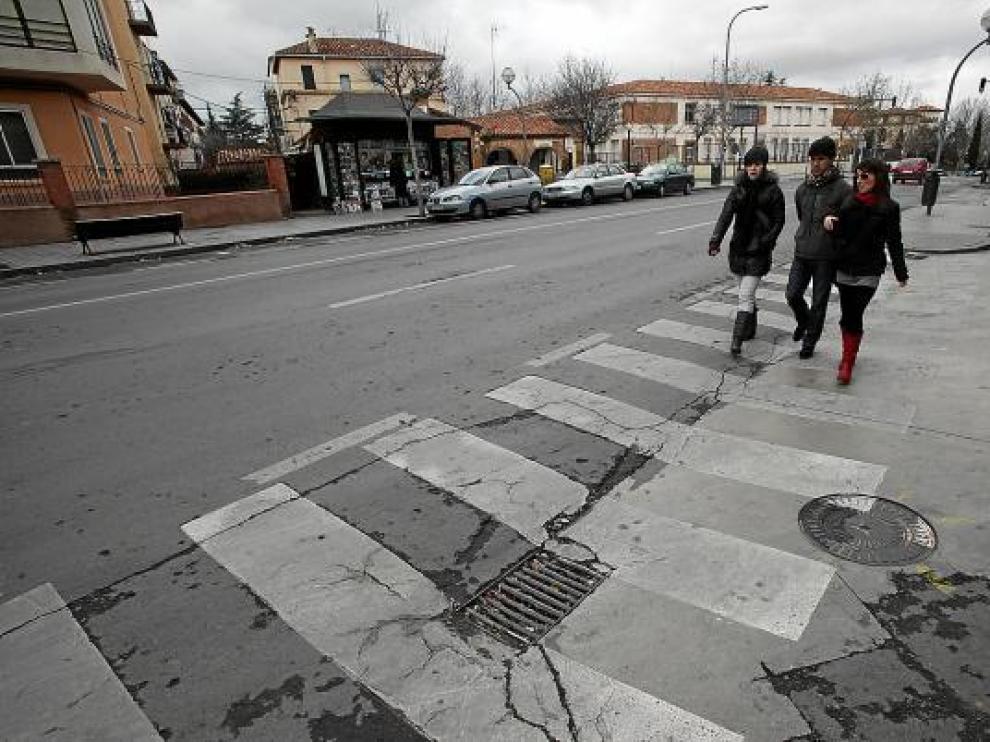 El alcantarillado de la avenida de Sagunto está anticuado y deteriorado.