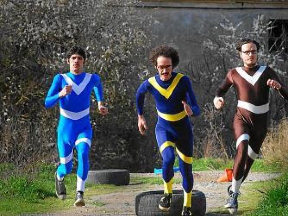 Domador, superhéroes a la carrera.