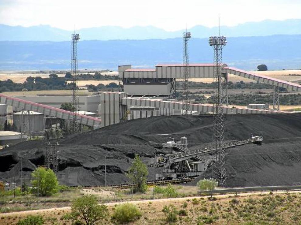 La aplicación del decreto permitiría la quema de carbón nacional en térmicas como la de Andorra.