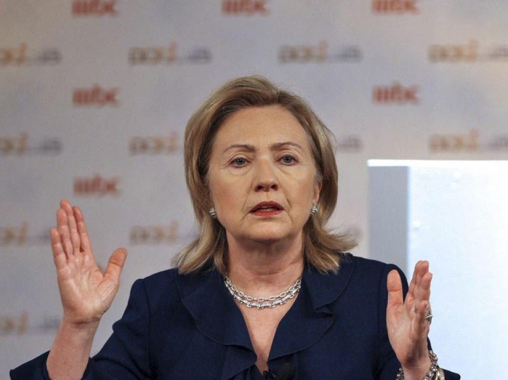 Hillary Clinton habla para una televisión saudí grabado en Abu Dabi