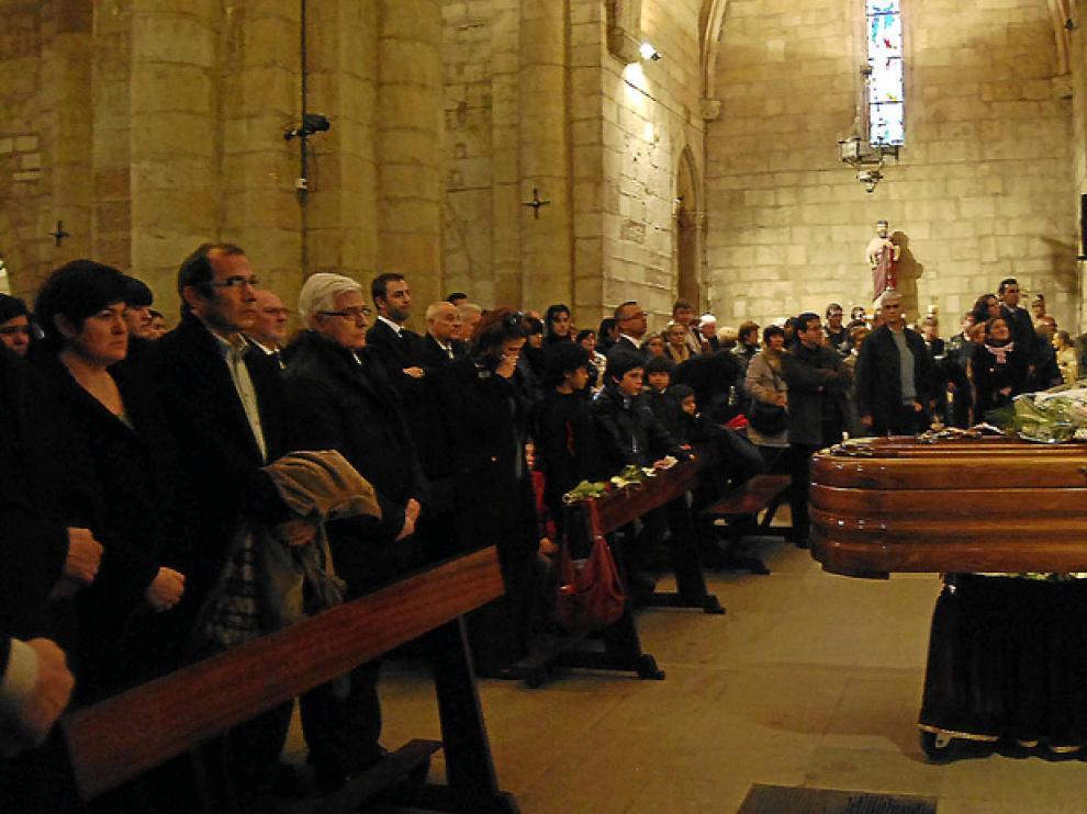Entre los asistentes al funeral estaba el consejero de Agricultura, Gonzalo Arguilé, en primera fila.