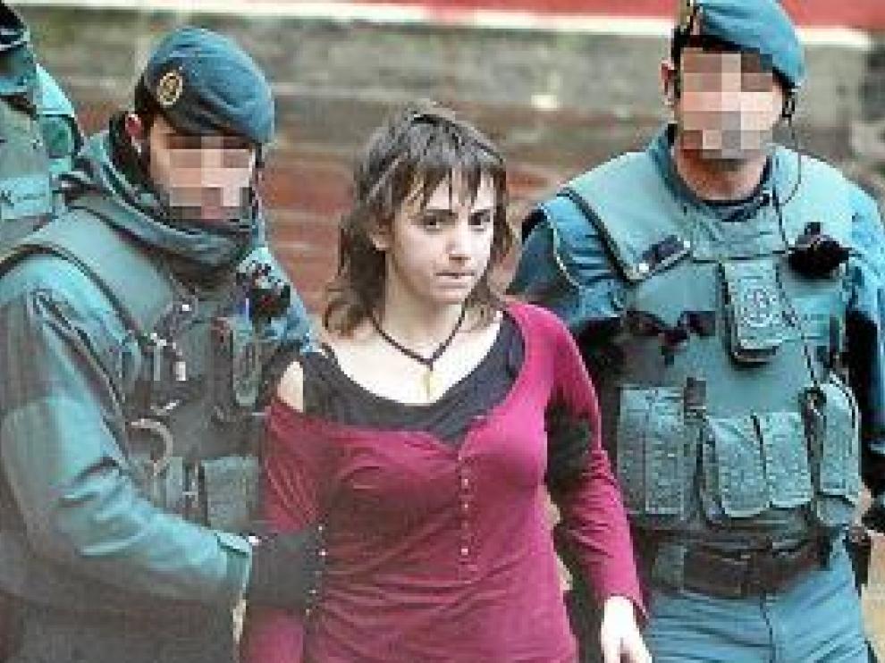 Itxaso Urtiaga, tras ser detenida en Zarautz.