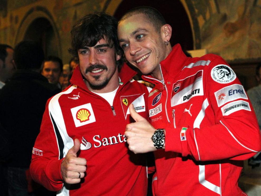 Fernando Alonso y Valentino Rossi en la estación de Madonna di Campiglio.