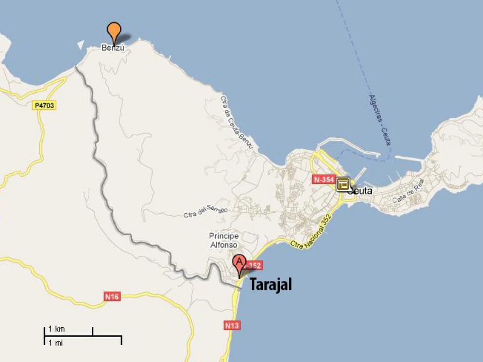 Al impedirle el paso en Tarajal, cruzo hasta el punto más próximo en la costa marroquí para llegar a Benzú