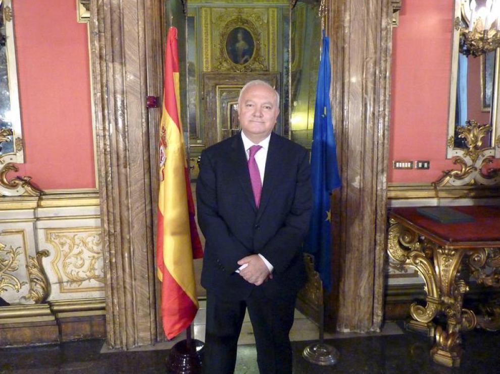 Moratinos en la embajada de Roma.