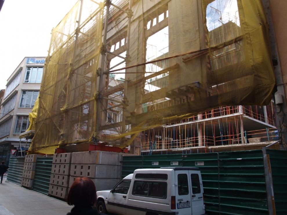 APUDEPA denuncia que la fachada que era ciega ahora ha sido completamente abierta
