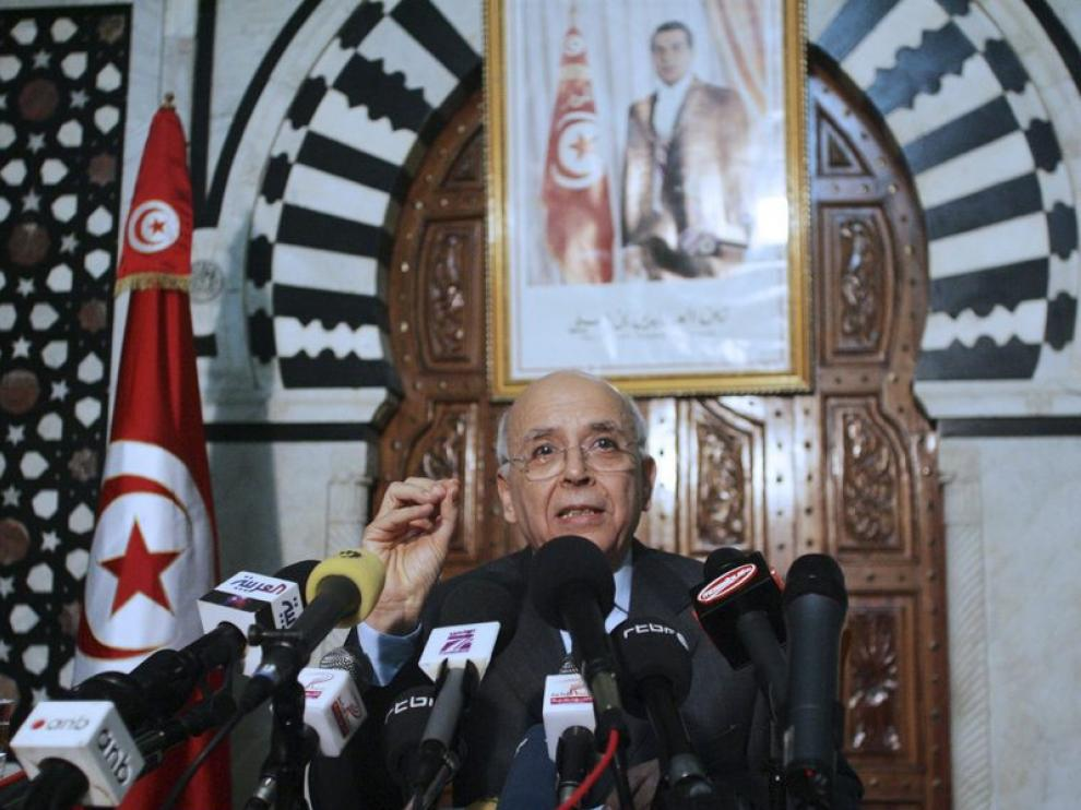 El primer ministro tunecino, Mohamed Ghanuchi