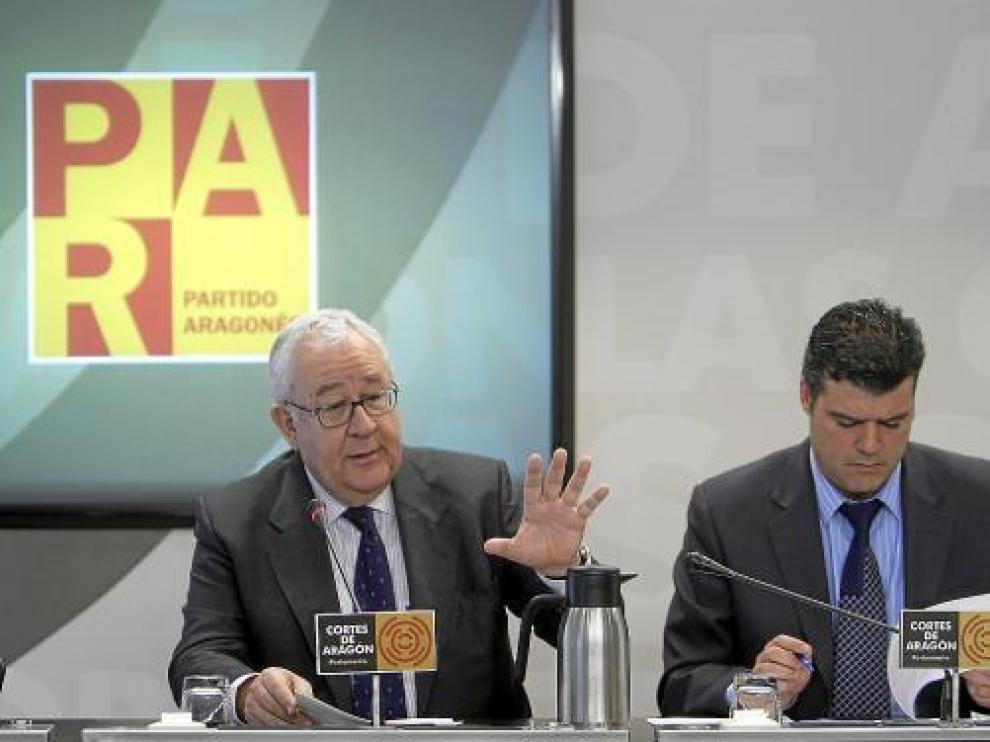 El presidente del PAR, José Ángel Biel, y el portavoz parlamentario, Javier Allué.