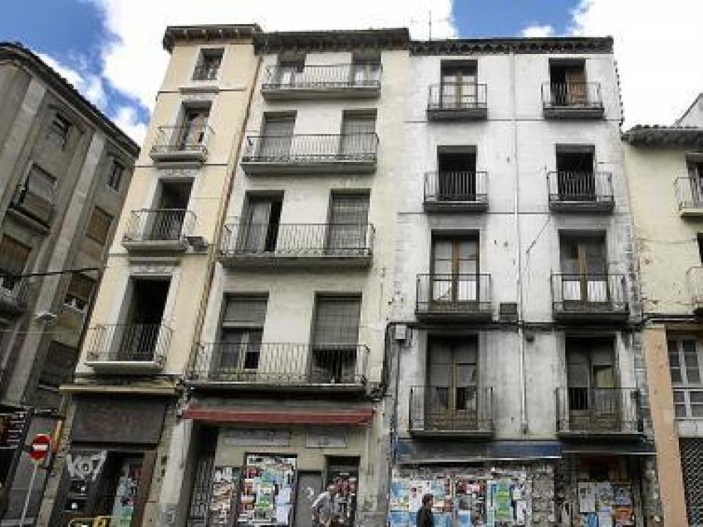 Edificios vacíos en el Coso Bajo, en el centro de la ciudad.