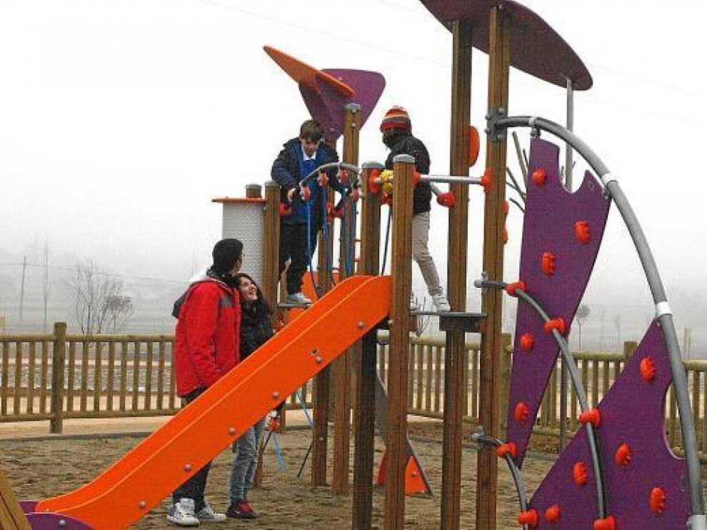 El parque cuenta con varias zonas de multijuego para disfrute de los más pequeños.