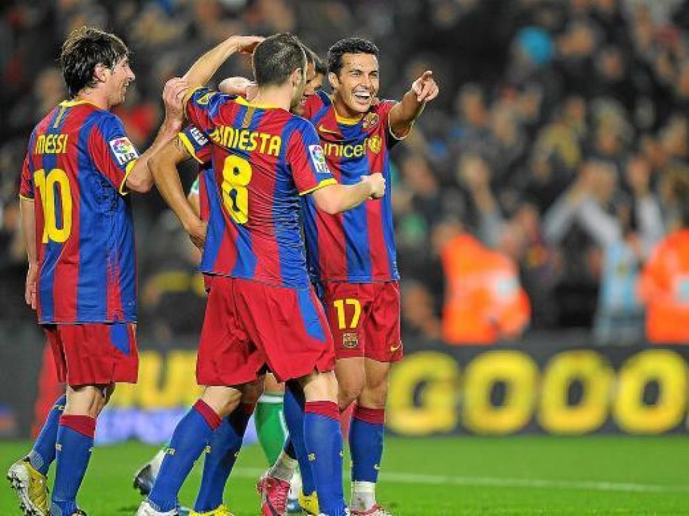 Pedro celebra un gol con el resto de sus compañeros.