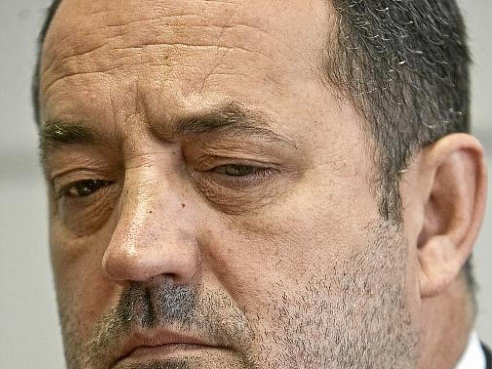 El presidente del Real Zaragoza, Agapito Iglesias, durante la entrevista.