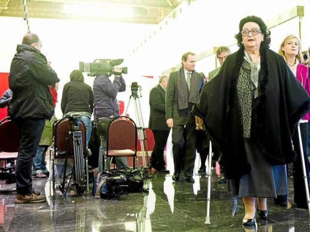 La soprano Montserrat Caballé, ayer, en el salón de recepciones del Ayuntamiento de Zaragoza.