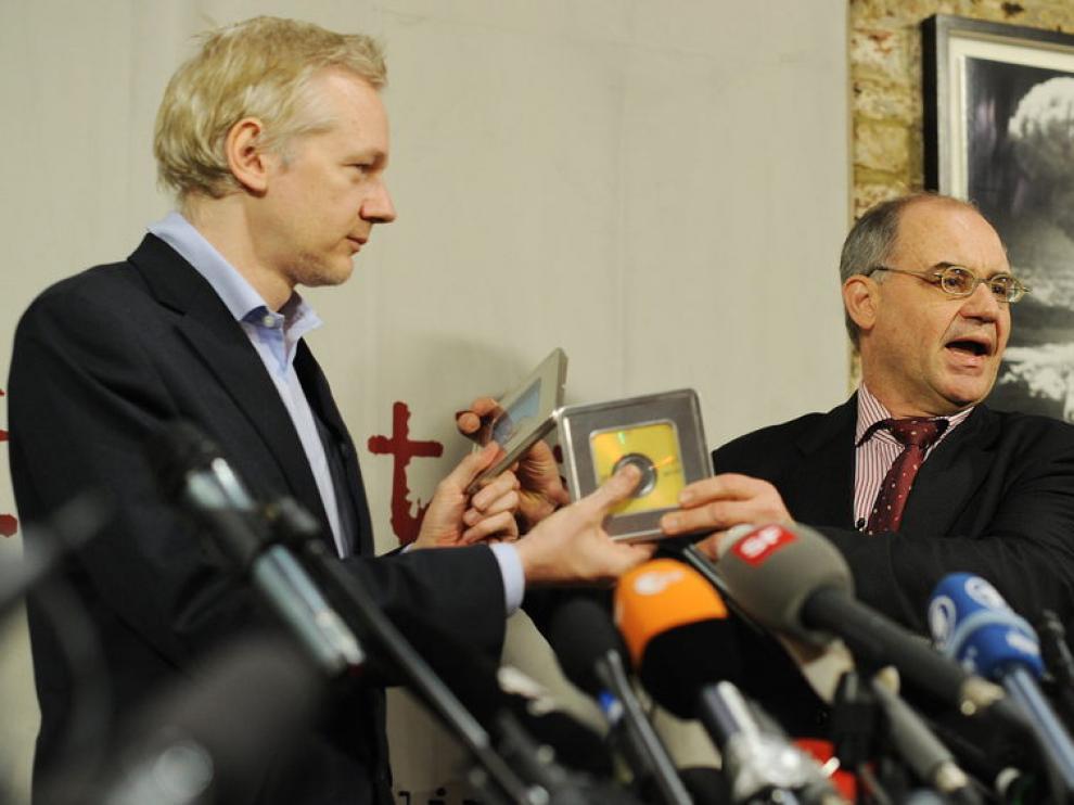 Julian Assange y el banquero Rudolf Elmer