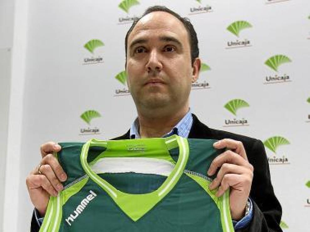 Chus Mateo fue presentado ayer como técnico de Unicaja.