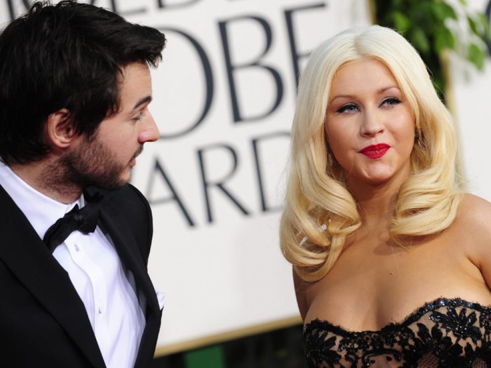 Christina Aguilera con su novio, en la alfombra roja de los Globos de Oro