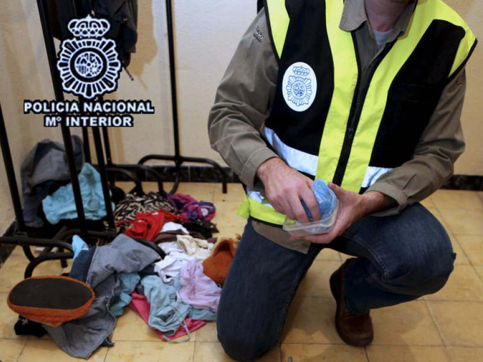 Algunas de las pertenencias incautadas por la Policía