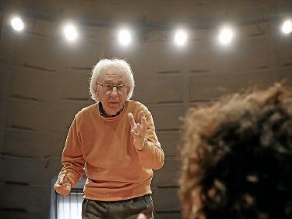 Albert Boadella, durante unos ensayos con Els Joglars.