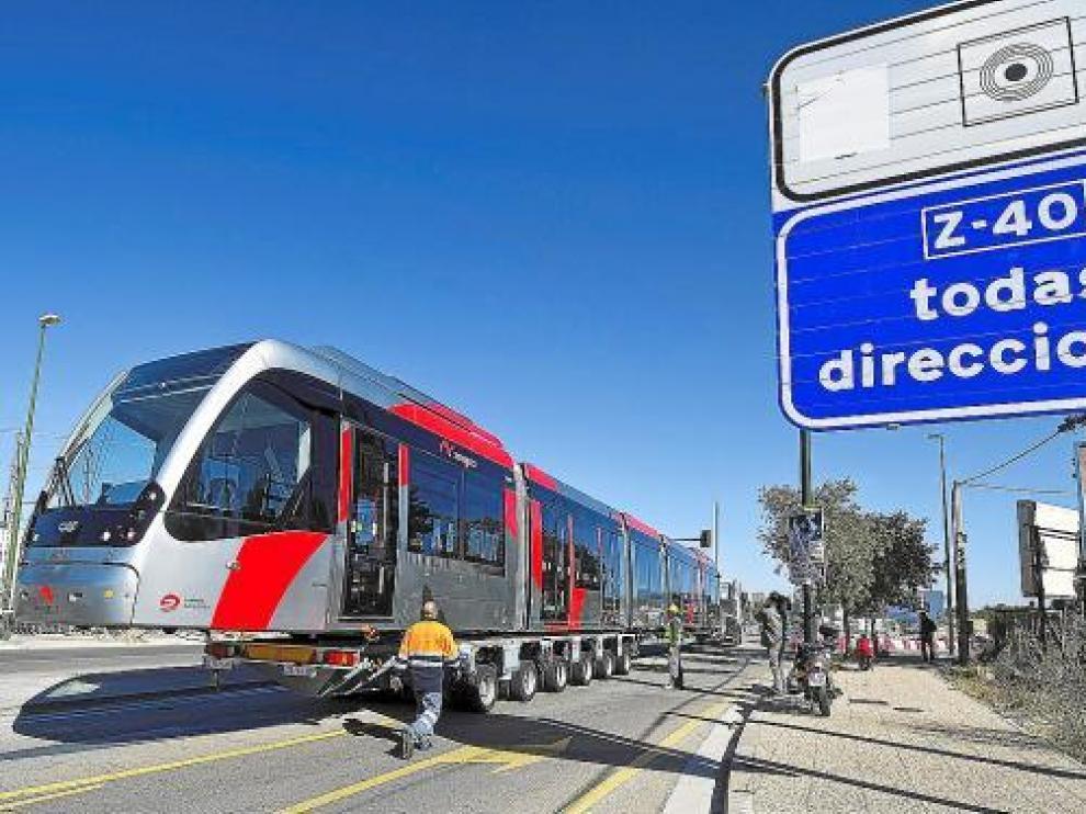 El tranvía es un medio de transporte 'masculino', pensado para hacer desplazamientos lineales.