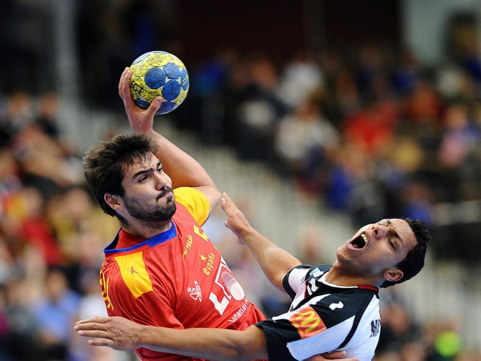 El jugador del CAI BM Aragón Jorge Maqueda, en el partido de ayer