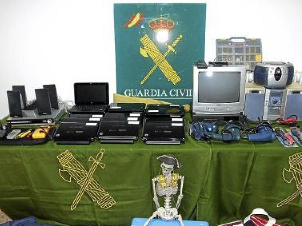 Los objetos sustraídos han sido ya devueltos al colegio de La Almunia.