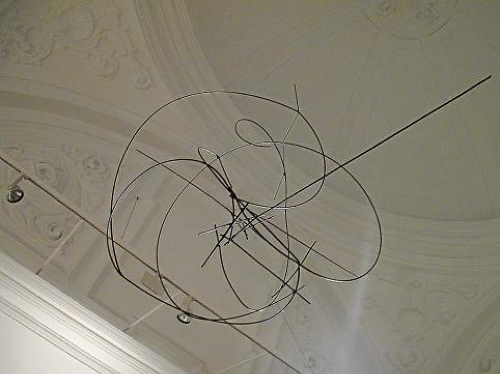 'Ritmos en el espacio', escultura colgante de varillas, hecha en 1959