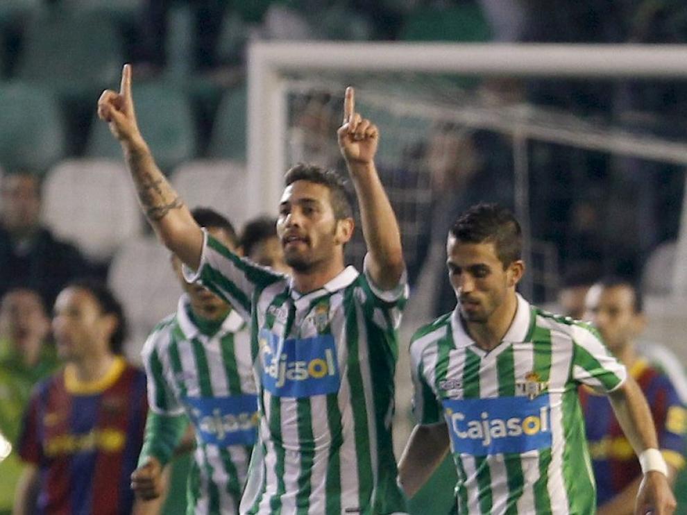 Arzu celebra el tercer gol del Betis