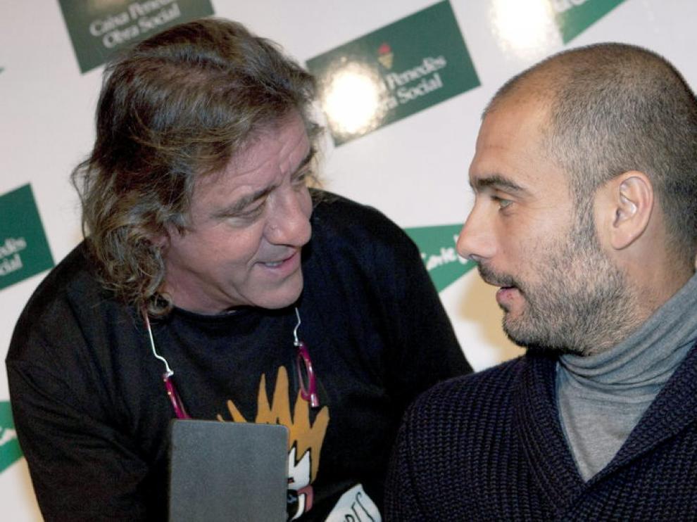 Guardiola junto al representante de ¡Payasos sin fronteras', Jaume Mateu.