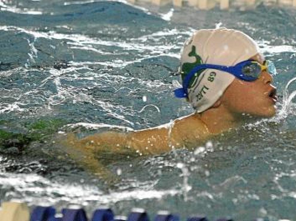 Competición de natación por San Vicente en Huesca.