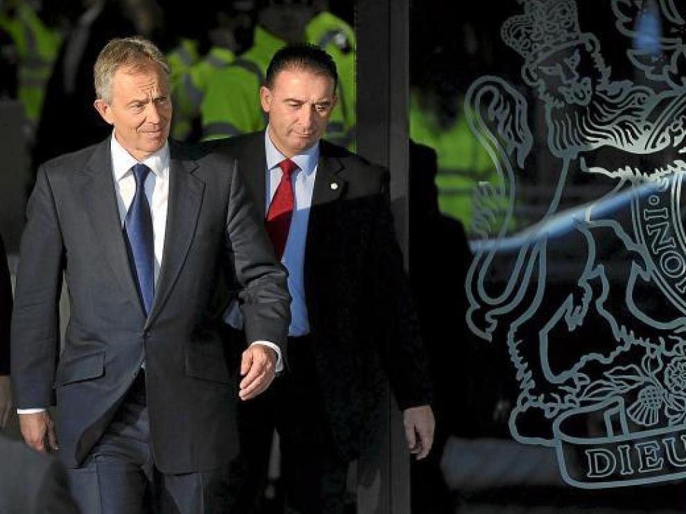 Blair sale ayer tras declarar ante la comisión sobre la intervención en la guerra de Iraq.