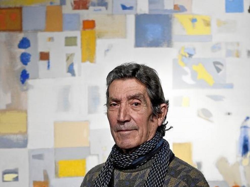 José Luis Balagueró, ante una de las obras que expone en el Museo Ibercaja Camón Aznar.