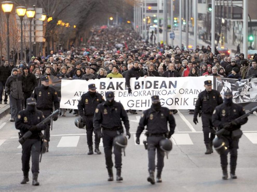 Los manifestantes recorrieron el centro de la capital navarra
