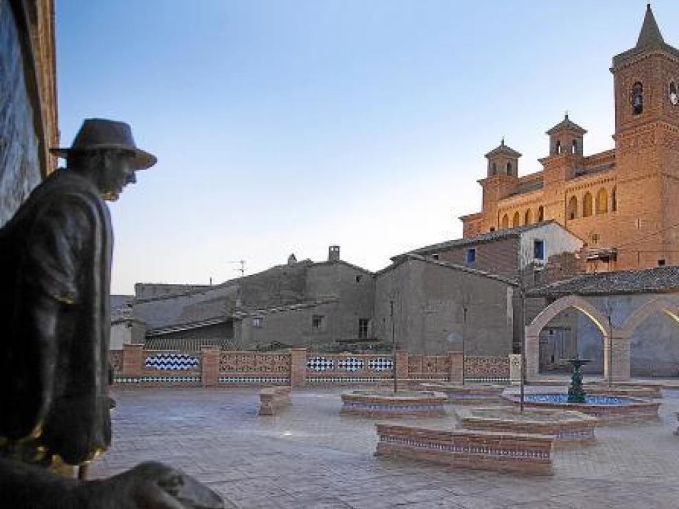 La plaza de Torralba de Ribota, ayer por la tarde, horas después de la inauguración.