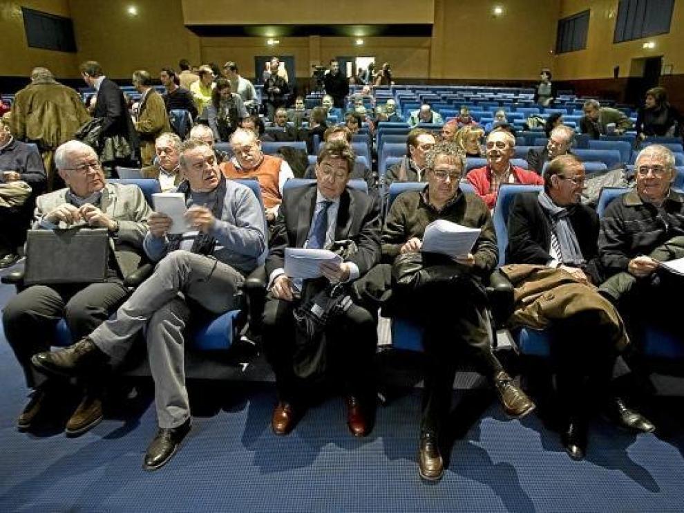 De izda. a dcha., Biel, Boné, Aliaga, Silva, Sanmiguel y Blasco, ayer, en el comité nacional del PAR.