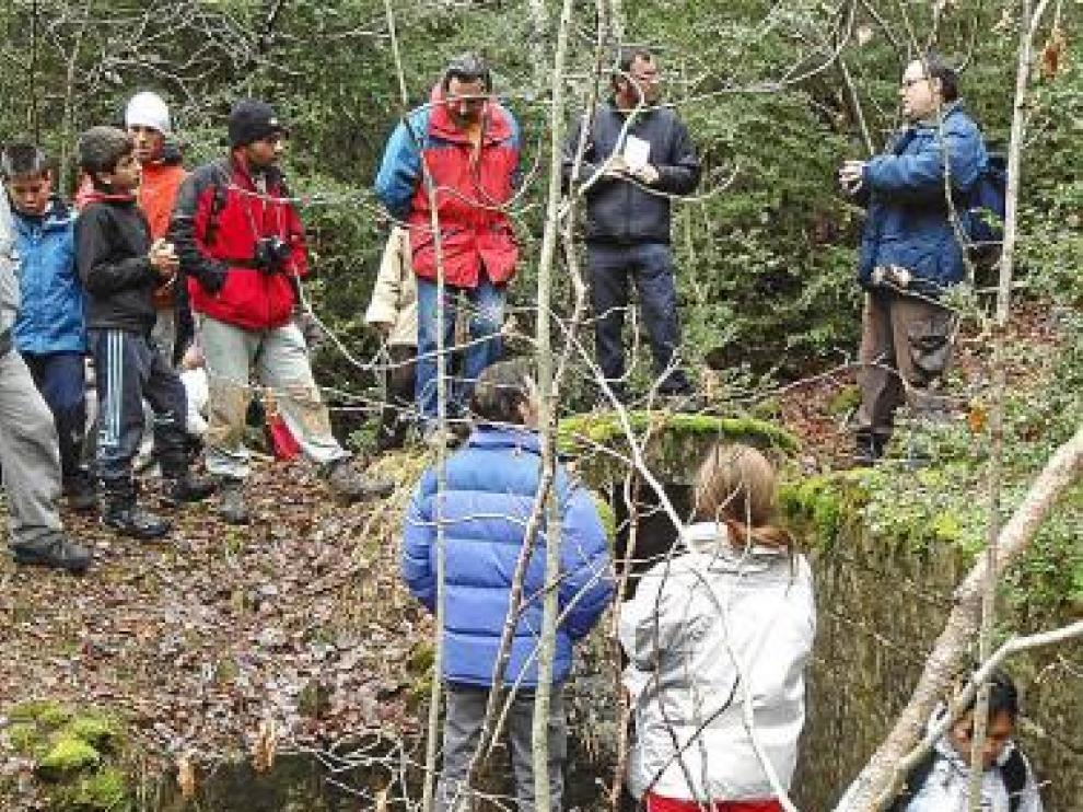 Más de 30 personas participaron en la excursión guiada.