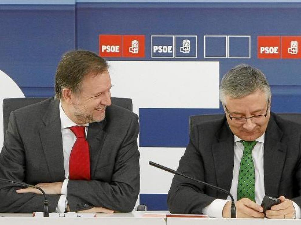 José Blanco, junto a Marcelino Iglesias en la última ejecutiva federal del PSOE