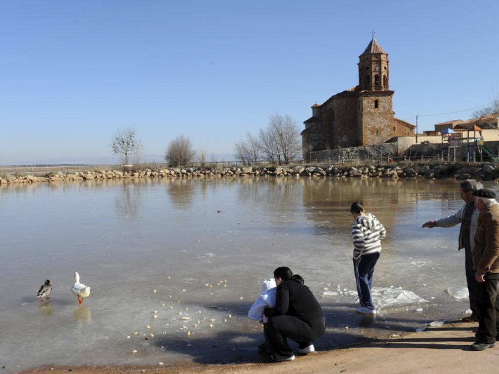Balsa del Campillo, cerca de la capital turolense, amaneció hoy congelada