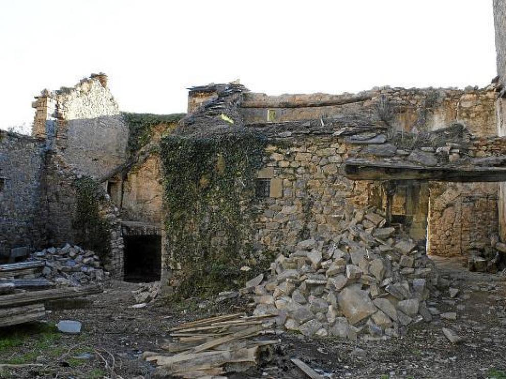 Estado de ruina que presentan la dependencias del monasterio adquiridas por el Gobierno de Aragón.