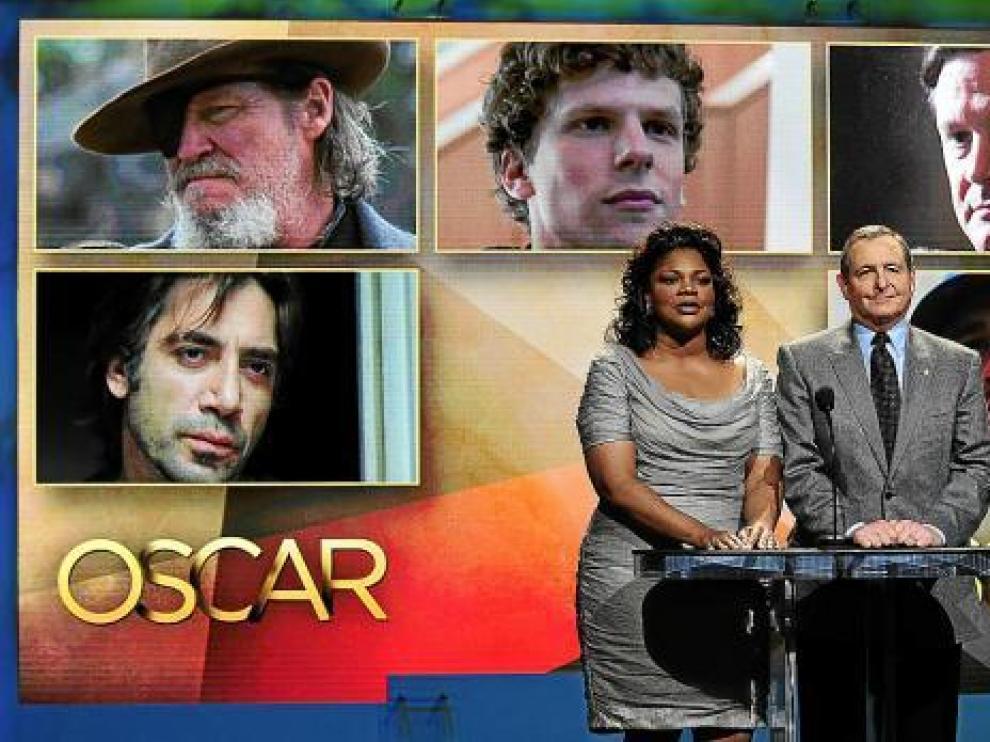 La actriz Mo'Nique y el presidente de la Academia de Hollywood, Tom Sherak, anunciando los candidatos.