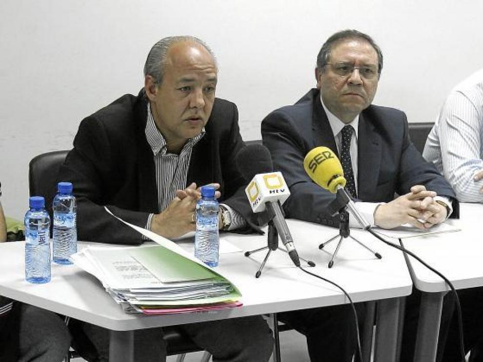 Miguel Ángel Fustero, primero por la izquierda, durante su presentación como delegado provincial del Comité de Árbitros.