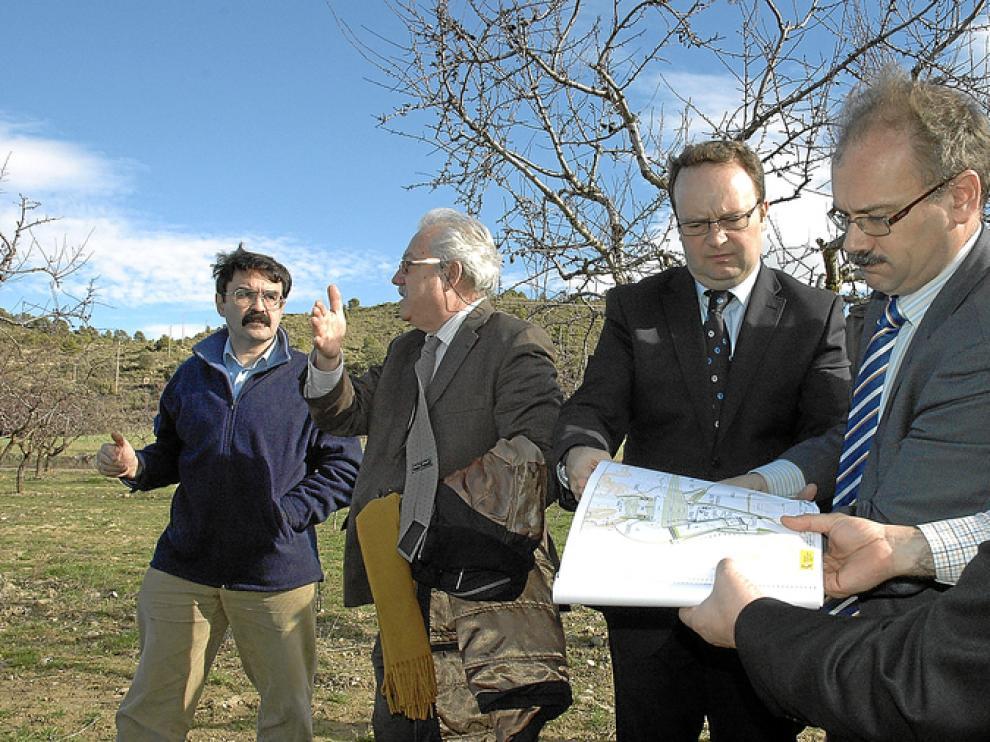 El pasado 12 de enero, el director general de Calidad y Evaluación Ambiental, Jesús Huertas, viajó a la zona afectada por el embalse para conocer los detalles de la obra.