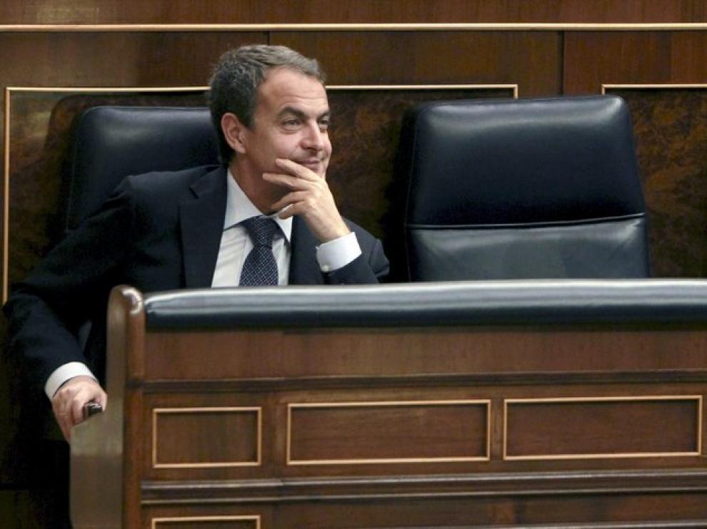 El presidente durante la sesión en el Congreso.